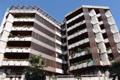 O edificio Vicente Suarez